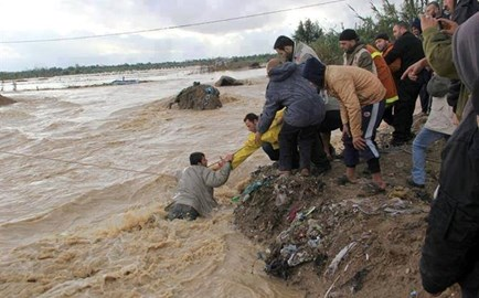 Gaza - Man being rescued from water