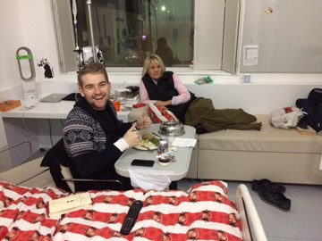 Nick in hospital recovering from Chemo. Good to see The Wine Bible & Sunderland Duvet were allowed in with him!