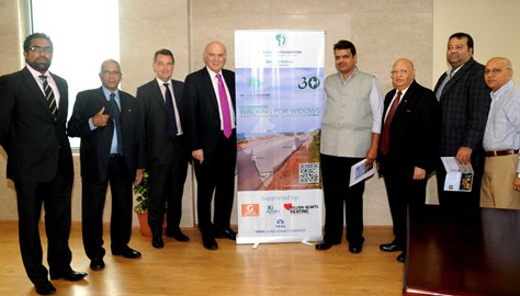 Rt Hon Vince Cable supporting Chris and the Loomba Foundation at the BSE Event in Mumbai