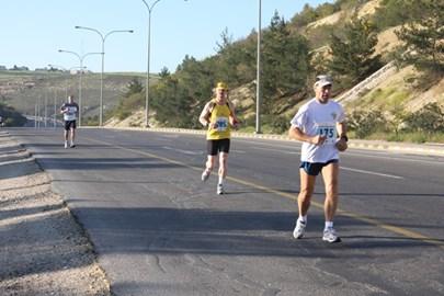 Running the Dead Sea Marathon 2009
