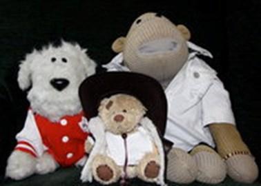 Arthur (L) Monkey (R) Bear Growls (C)