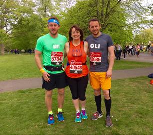 Pat Oli and Rory starting the London marathon