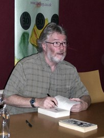 Photo of Iain Banks by Tim Duncan