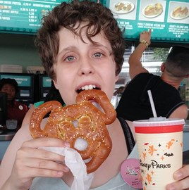 Mickey Pretzel....yeah, so whats for lunch!!
