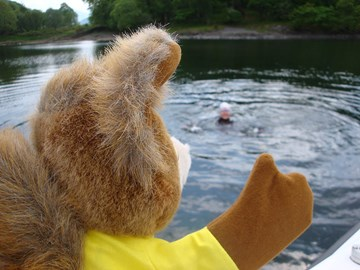Tufty gives Sue some last-minute advice
