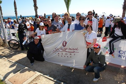 Team St Raphael Resort at the Finish