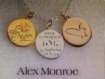 Bling it on, designed by Alex Monroe exclusively pour le race