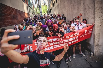 Even zombies love a good selfie...