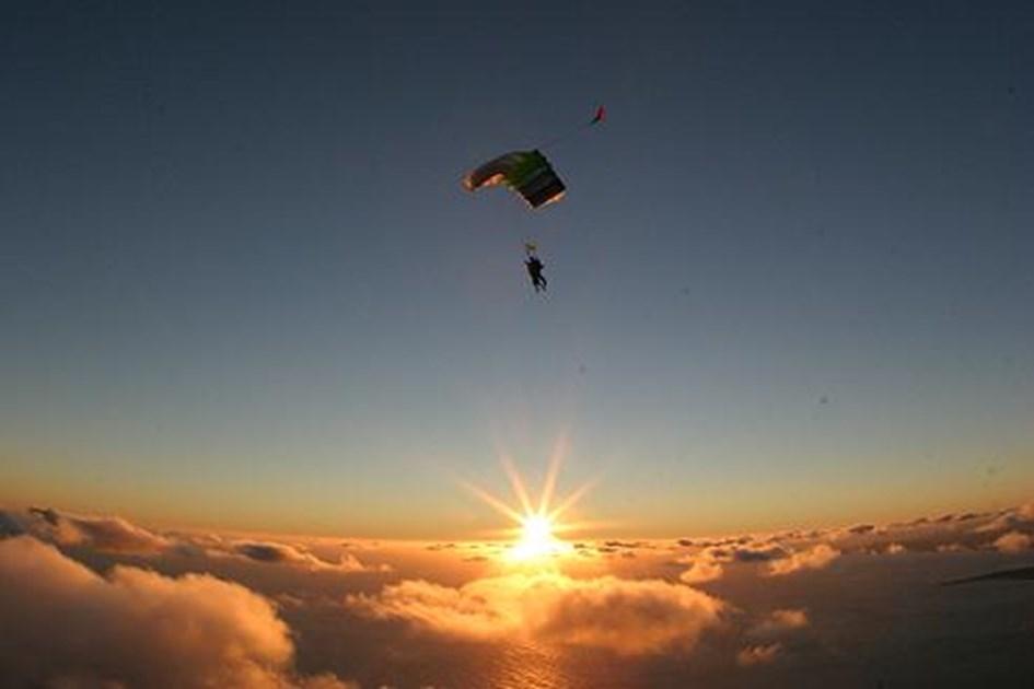 skydiving wallpaper sunset free - photo #41