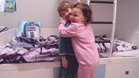 George is in the same class at school as Emilia - daughter of famous vlogger @JonathanJoly He kindly did this video http://bit.ly/2jxQtRK