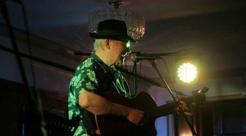 Singing Ball with no bounce at the ME Charity night, Menai Bridge, 11th July