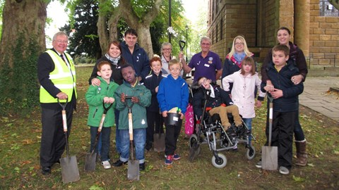 Frank Wise pupils & Rotarians -Bulb Planting on World Polio Day 2014