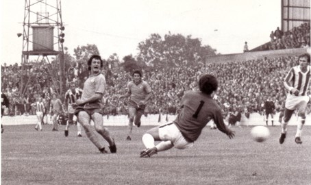Dave scores for Mansfield Town against Peter Shilton