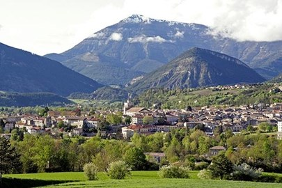 Our target: 1000 miles away, Die is situated in the countryside of southern France