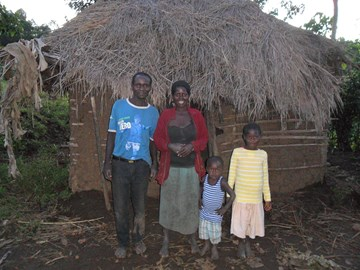 family help in Uganda 2, old hut