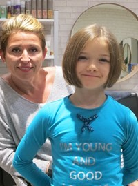 Scarlett's FAB new 'DO' and the lovely Wendy her stylist.