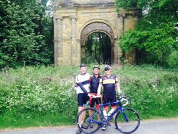 Frank, Mark and Martin discover a lost arch in Kent