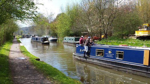 The delights of cycling the Avon & Kennet canal to Bradford-on-Avon