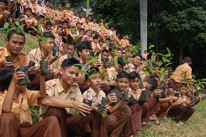 Students preparing to plant trees