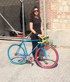training in Casa de Campo (Madrid) on a hipster bike - it was either this or the heavy tanks tourists use to explore the city centre