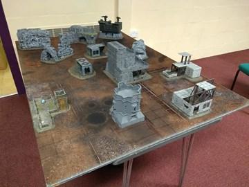 A typical Warhammer 40,000 tabl top battlefield setup