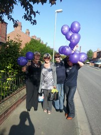 The balloon walk from home to the line dance social - 31.05.14