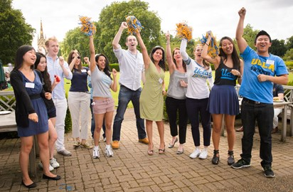 UCLA alumni and students at 2014 London Student Send Off
