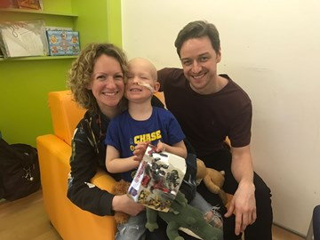 Getting the #XMen onside for fighting 'Tony the tumour' with a visit from James McAvoy today #Kidswithcancer @royalmarsden