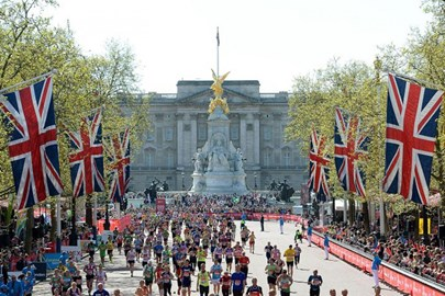 THe home straight in front of Buckingham Palace. Amazing!