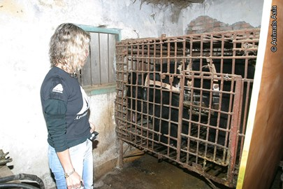 Jill and caged Emma before rescue