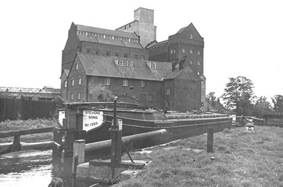 Perseverance at Coxes Lock 1966