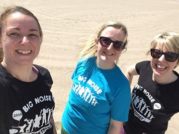 Team Big Noise at the Broughty Ferry penguin run