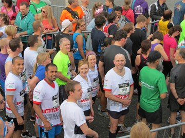 Roystan, Ganesh, Phil, Emma, Steph and Alan at the start line