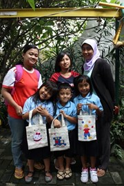 The mothers made a small bag for their children