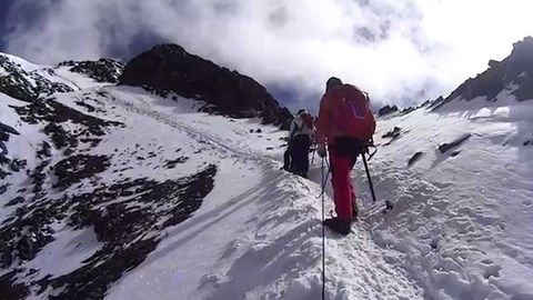 Climbing Stok Kangri