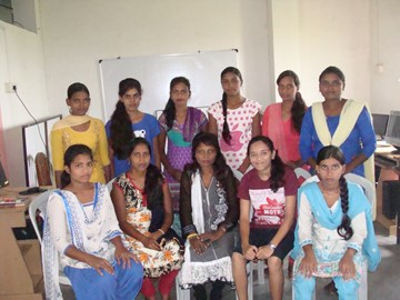 Young women, Aryaloka Computer Centre