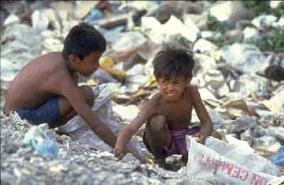 Children forced to work on rubbish dumps