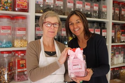 Thank you so much to Alice and Michael from Hopscotch sweet shop who donated a wonderful custom made jar of pink treats for our raffle!