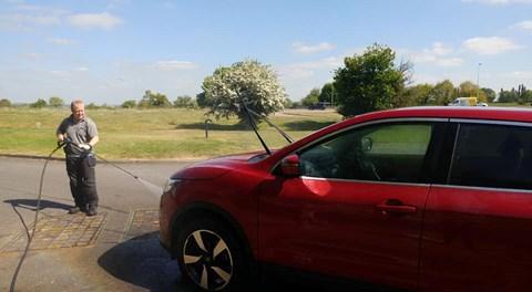 £5.00 Car wash