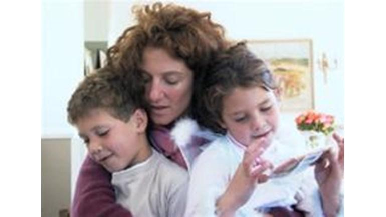 Amanda mann is fundraising for the honeypot children 39 s charity for Amanda family maison